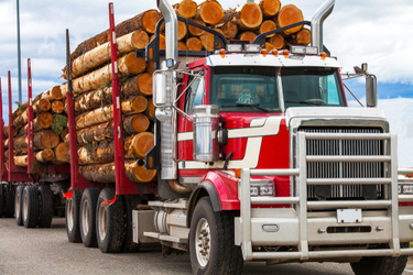 Long-Distance Freight Trucking in Canada